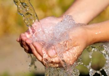 Природная чистая питьевая вода