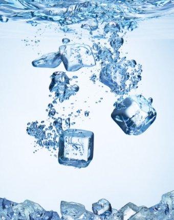 Ледяная питьевая вода