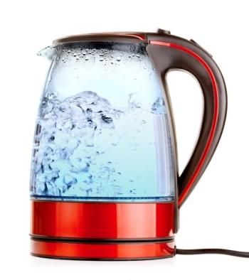 Кипяченная питьевая вода в чайнике